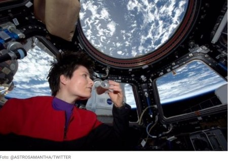 Astronauta italiana tomando un espresso en la ISS. El origen del café
