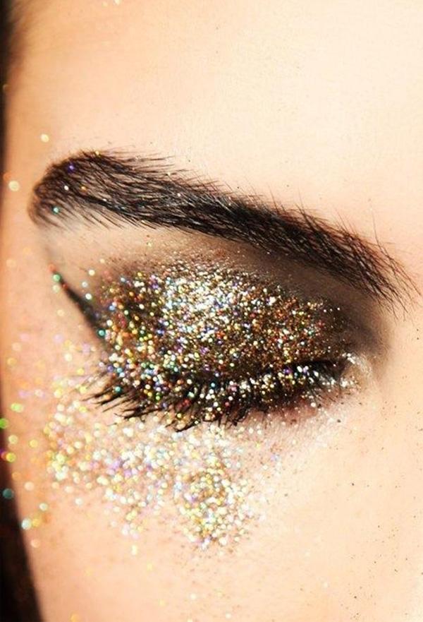 ideia de make com glitter para o carnaval