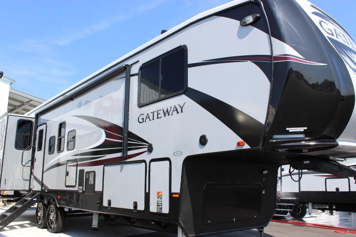 2019 Heartland Gateway 3230CK Fifth Wheel