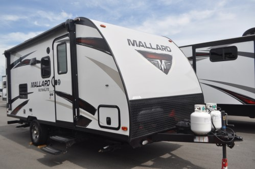 small resolution of 2020 thor motor coach outlaw