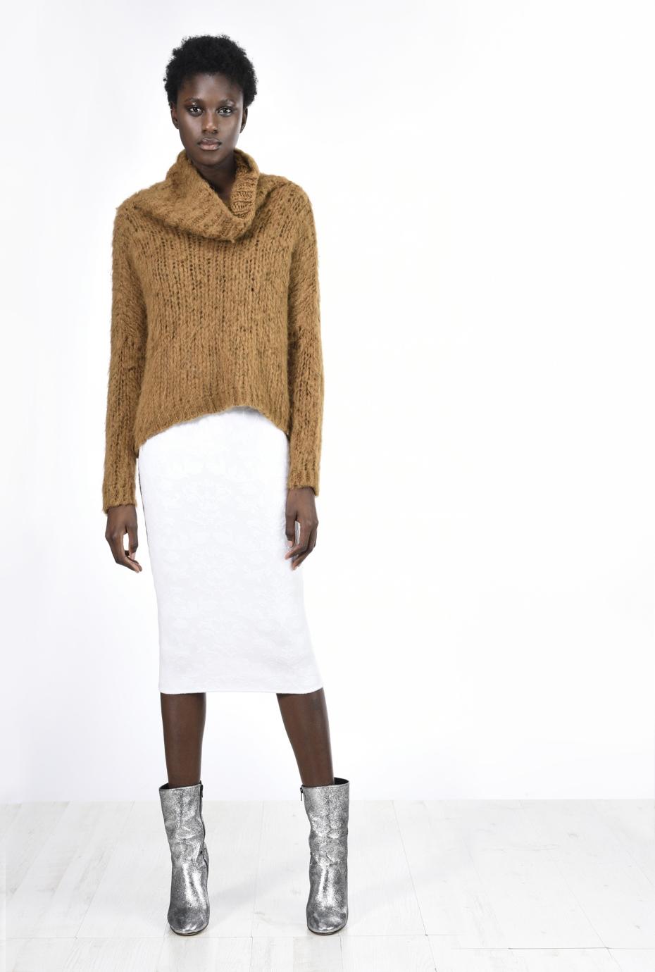 Abbinamento gonna e maglione