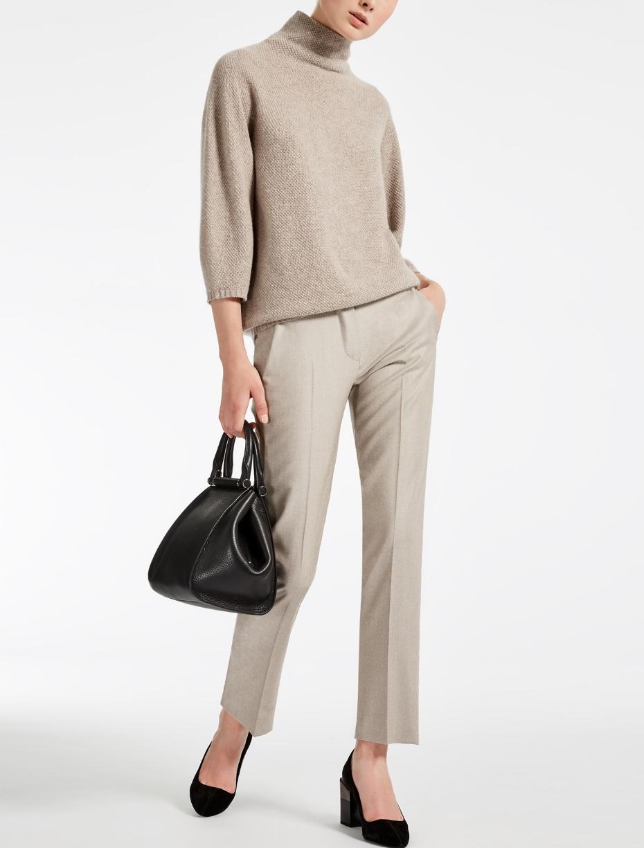 Abbinamento maglione e pantalone elegante