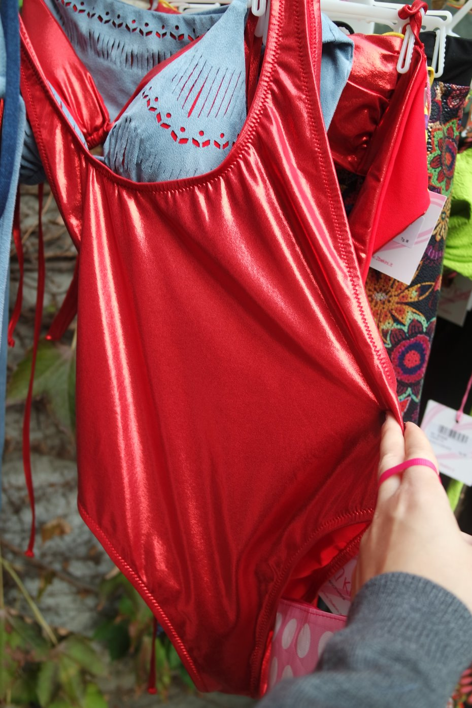 Costume intero rosso