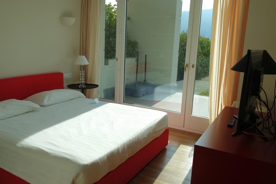 Appartamenti resort collina d'oro (2)