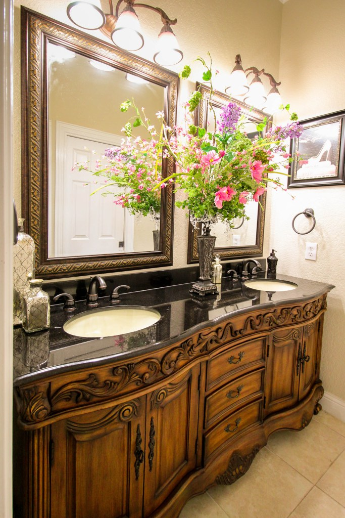 French Furniture Style Bath Vanity Garden Ridge Texas   Carolina Moncion  Design