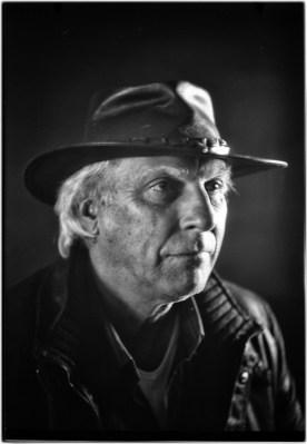 Berend Klijnstra: 'Ik heb met buikpijn een vlucht naar Australie geboekt. De reislust won het van de vliegangst. De hoed staat gelijk aan de herinnering.'
