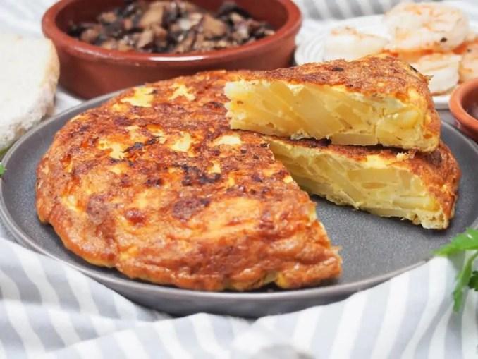 Spanish tortilla (tortilla Española) - Caroline's Cooking