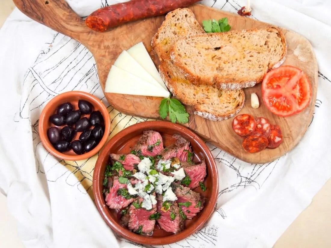 white wine marinated steak with blue cheese