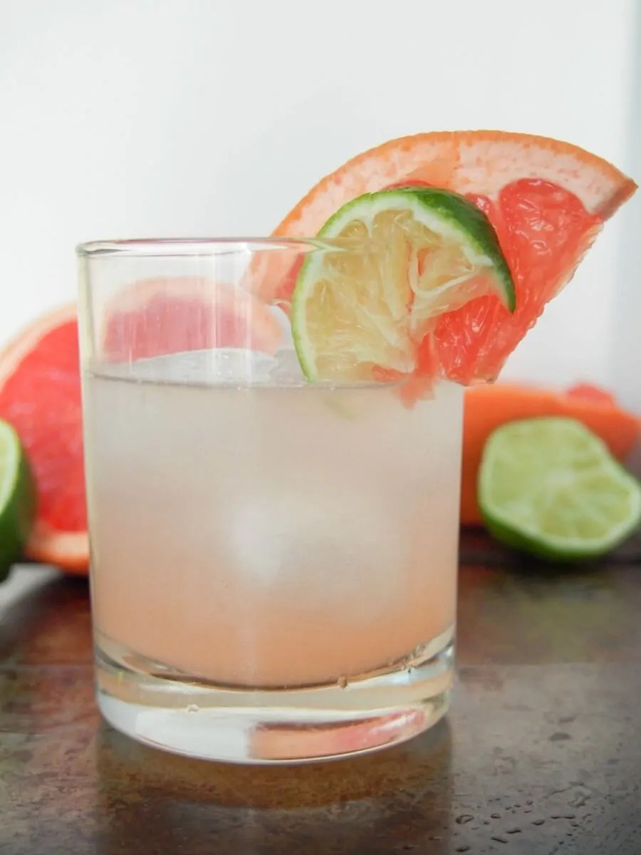 paloma cocktail, the real Mexican tequila cocktail with the refreshing tang of grapefruit.