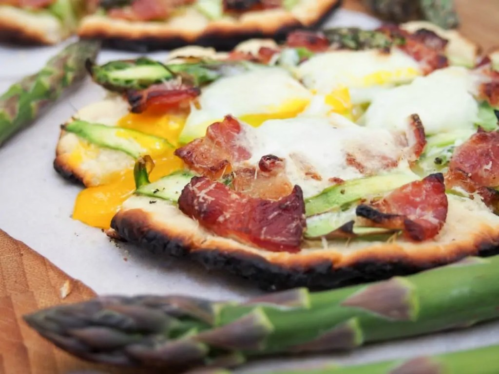 Grilled breakfast flatbread with asparagus and bacon