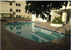 wilshire regent pool