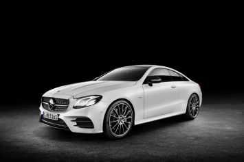 Vue avant de la Nouvelle Classe E coupé 2017 de Mercedes