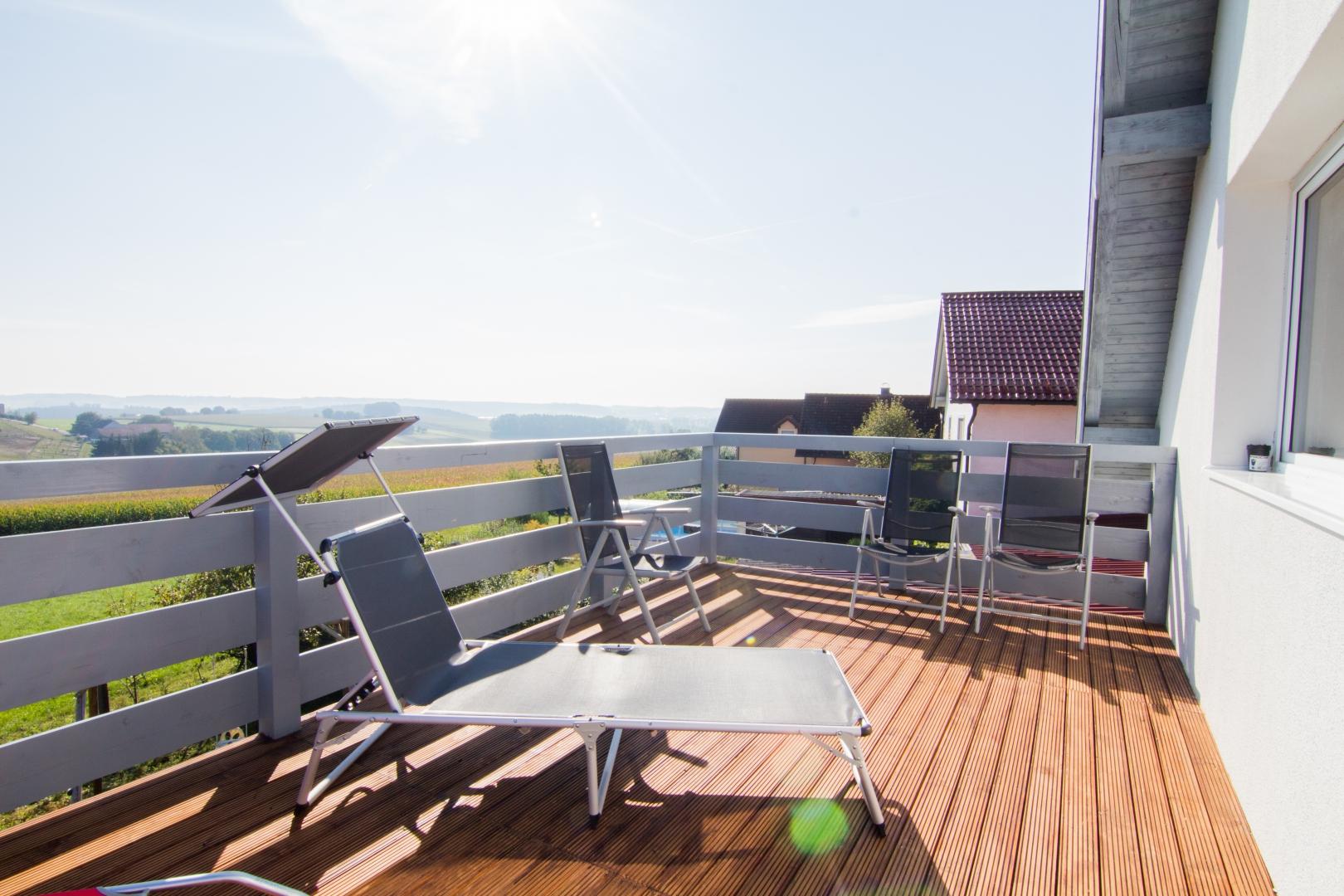 Wunderschöner großer Balkon mit herrlichem Ausblick