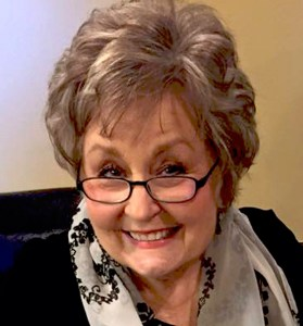 Linda Davis, author of The Mending of Lillian Cathleen on tour with Celebrate Lit and featured on CarpeDiem.fyi