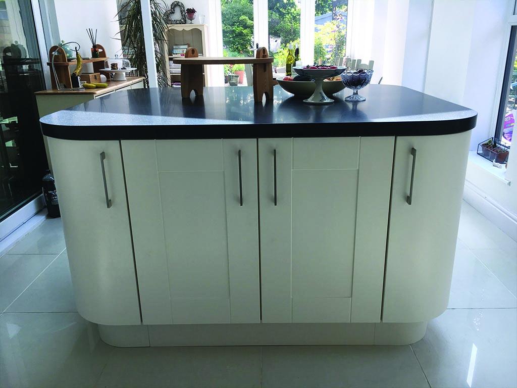 Norwich Carpenter Modern Curved Kitchen Fitter