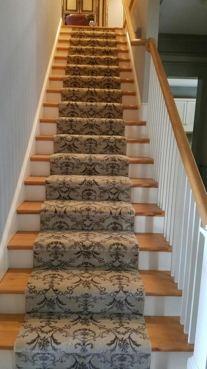 Carpettogo Gallery Hardwood Flooring Carpet Countertops   Grey Patterned Carpet For Stairs   Fitting Loop Pile Carpet   Room Matching Str*P   Middle Open Concept   Runners   Living Room