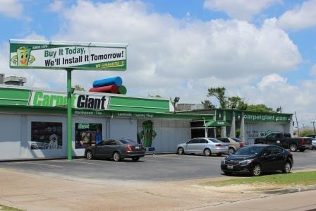 Learn more about Carpet Giant in Houston, TX