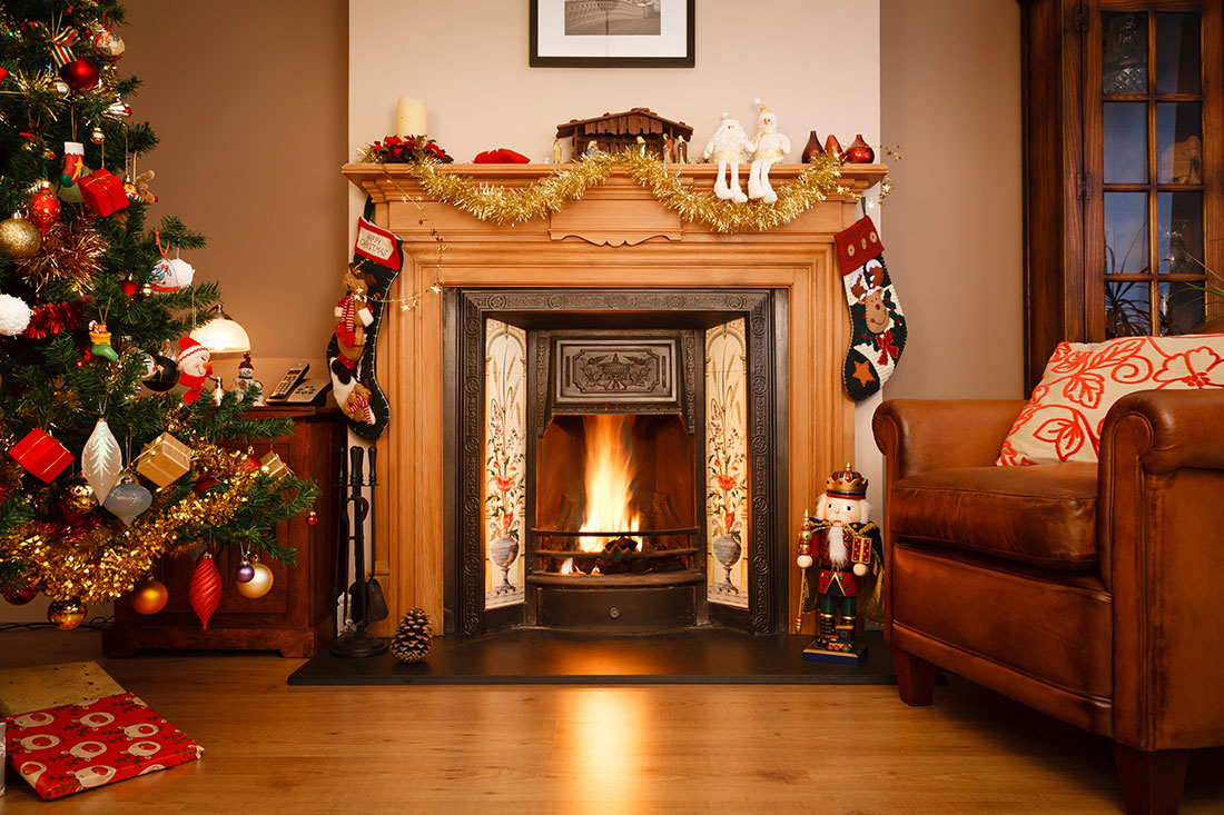 Deck The Halls Christmas Hallway Decorating Ideas Carpetright