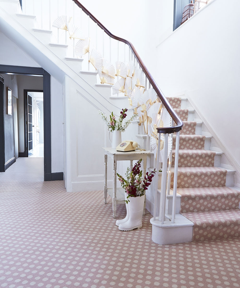 The Beauty Of Stair Runners Carpetright | Stairs With Carpet In The Middle | Runner Corner | Laminate | Contemporary | Run On Stair | Marble