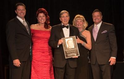 Vern Montgomery receiving the Lifetime Achievement Award