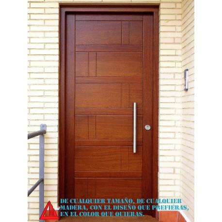 Puerta de exterior maciza de iroko barnizada en color