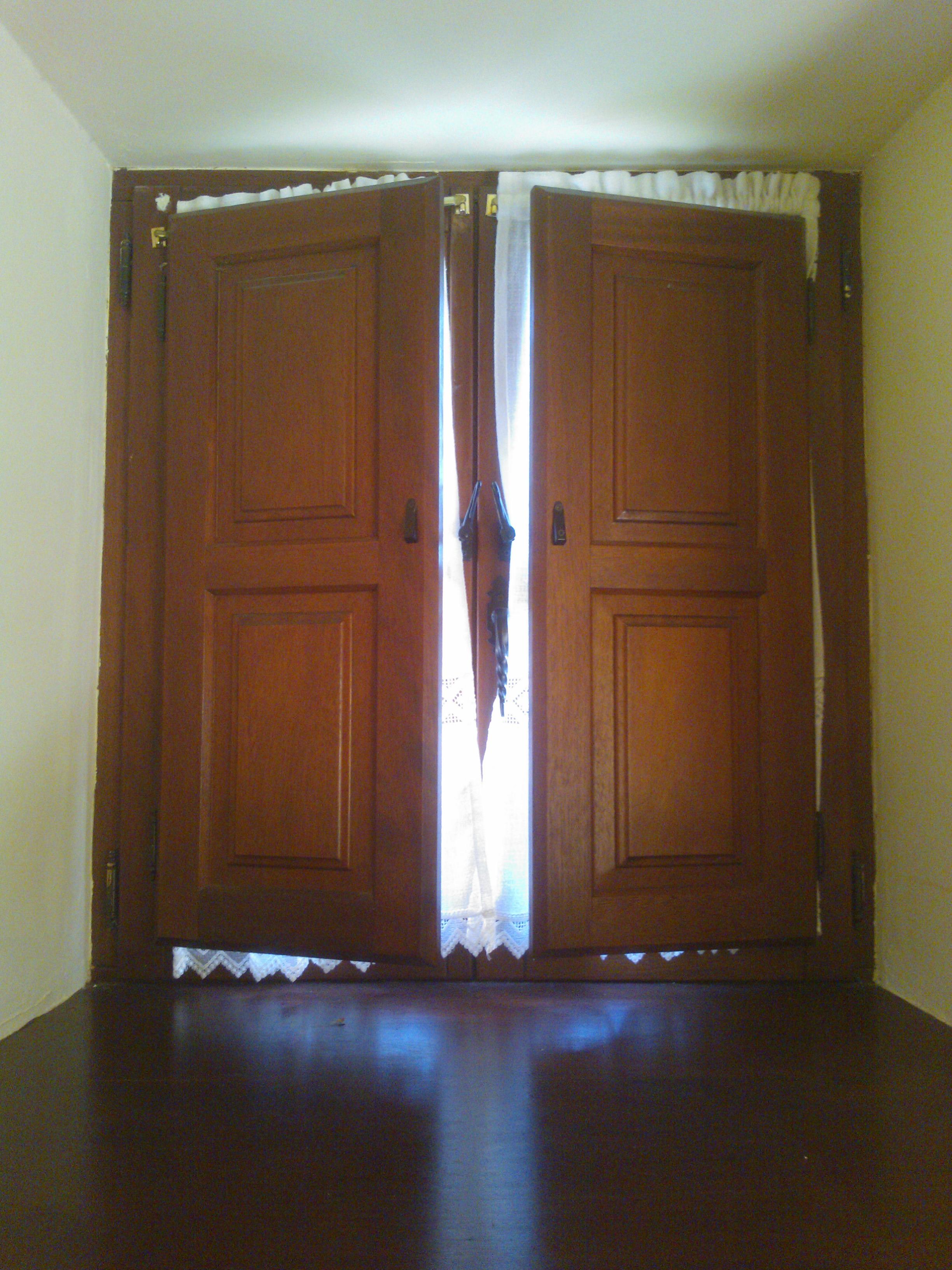 Carpinteria Muebles a Medida Armario Empotrado Escalera Puerta Cocina Ventanas Lacados Barnizados