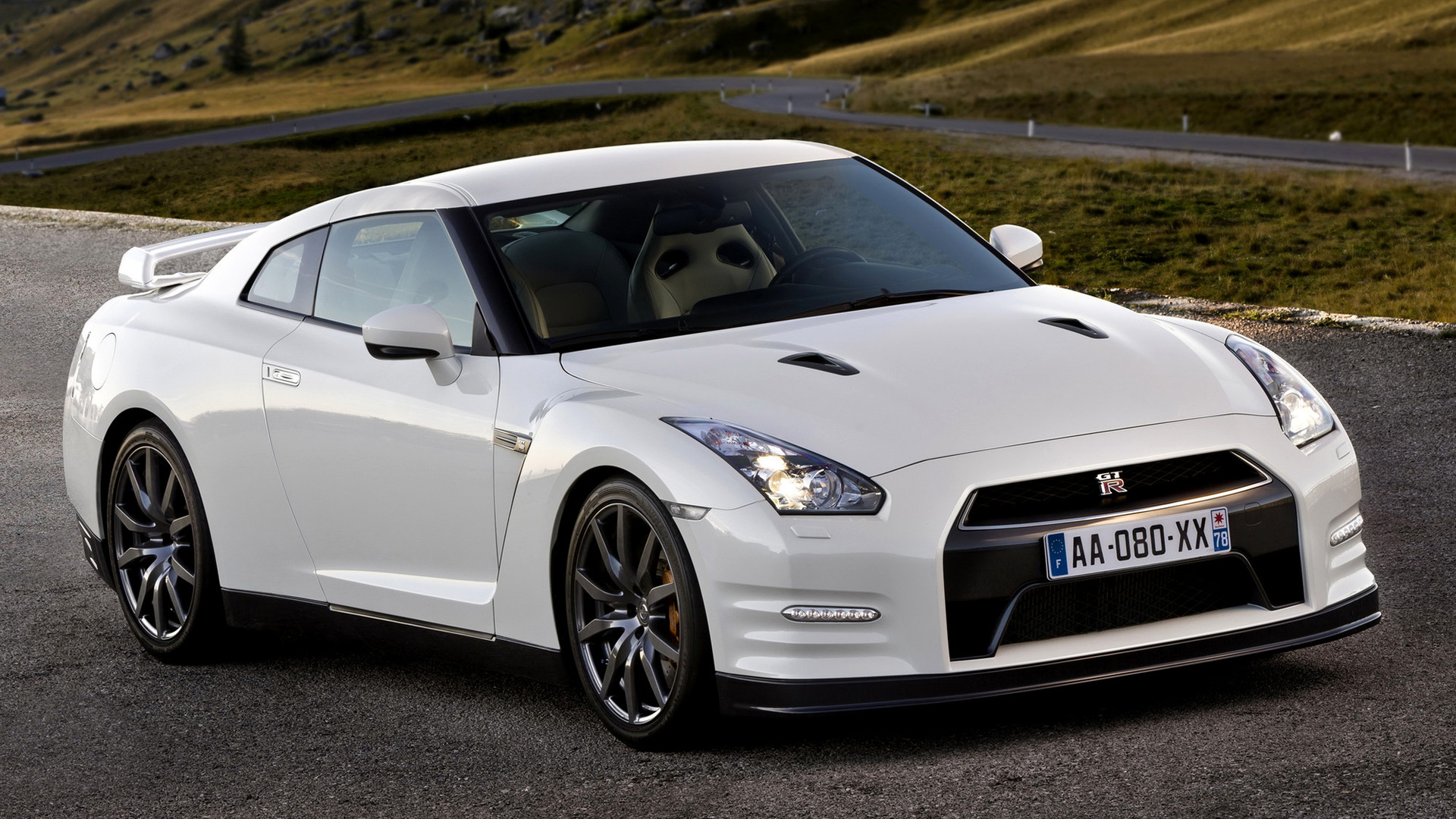 Nissan Gtr Car Hd Wallpapers 2010 Nissan Gt R Black Edition Wallpapers And Hd Images