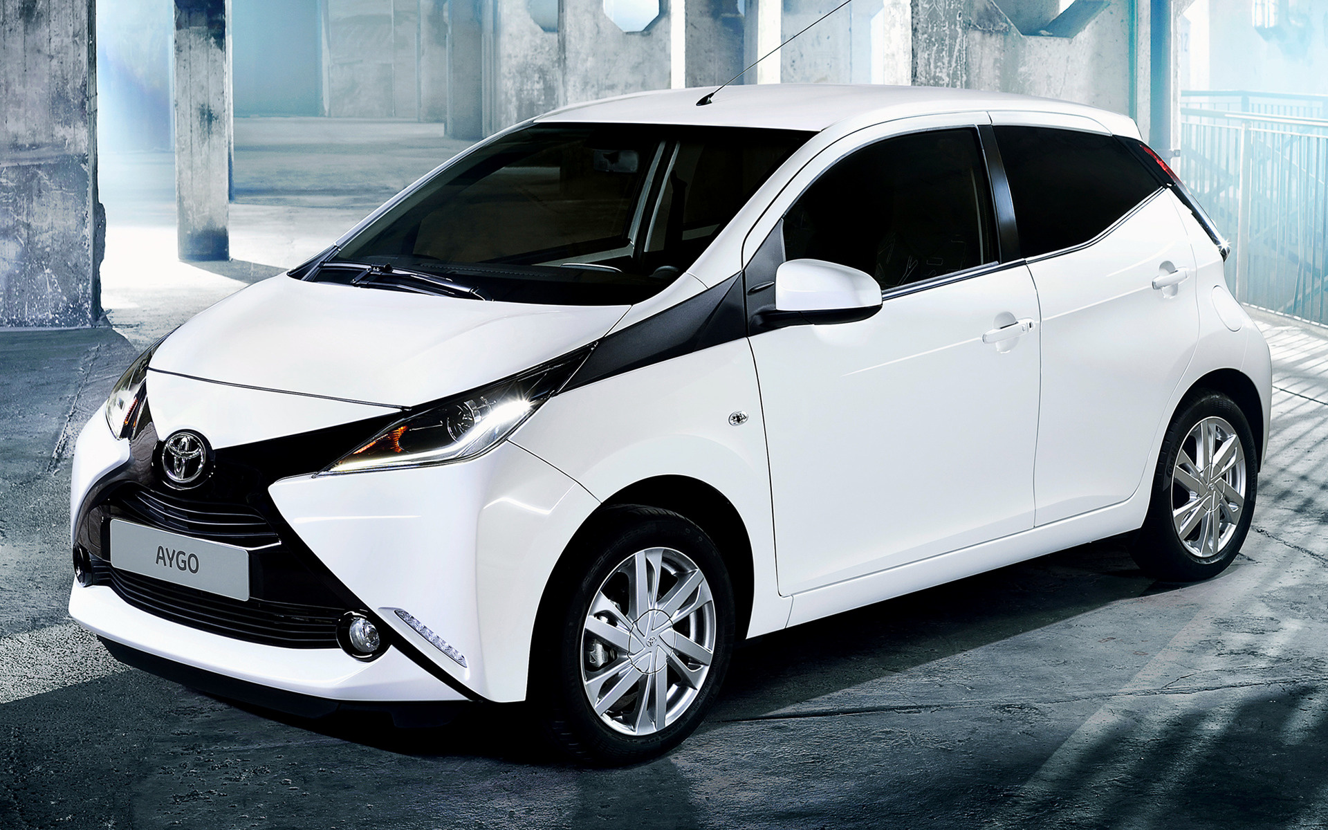 Mazda Car Hd Wallpaper 2014 Toyota Aygo X Play 5 Door Wallpapers And Hd Images
