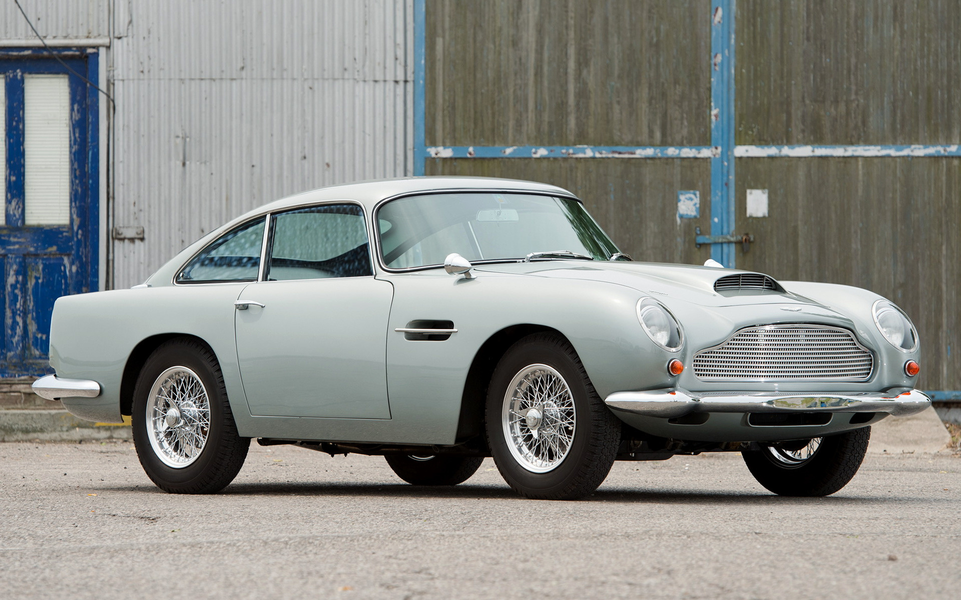 Burning Car Wallpaper Rolls Royce 1959 Aston Martin Db4 Gt Wallpapers And Hd Images Car