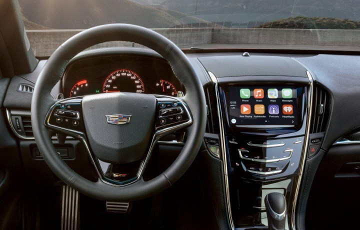 Cadillac CarPlay Life 2016