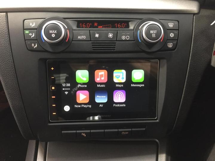 carplay installs pioneer sph da120 in a bmw 1 series. Black Bedroom Furniture Sets. Home Design Ideas