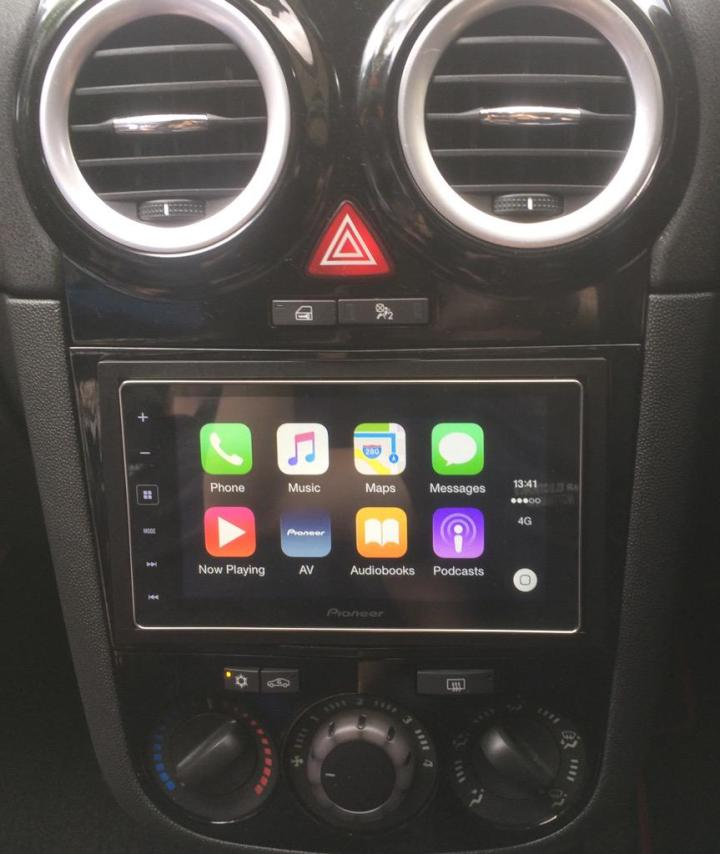 Vauxhall Corsa CarPlay