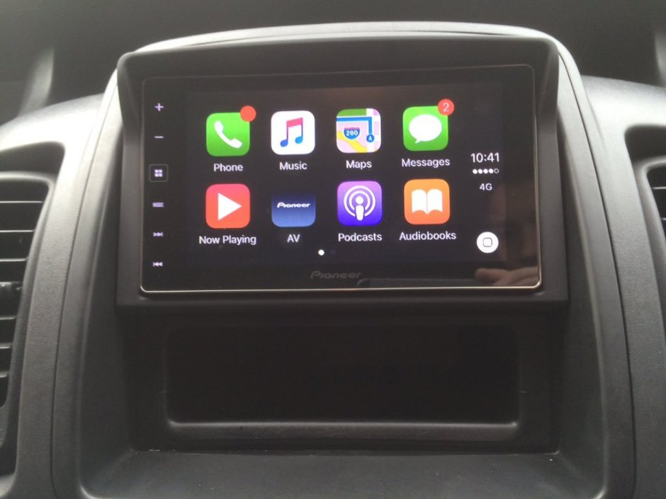 Vauxhall Vivaro CarPlay