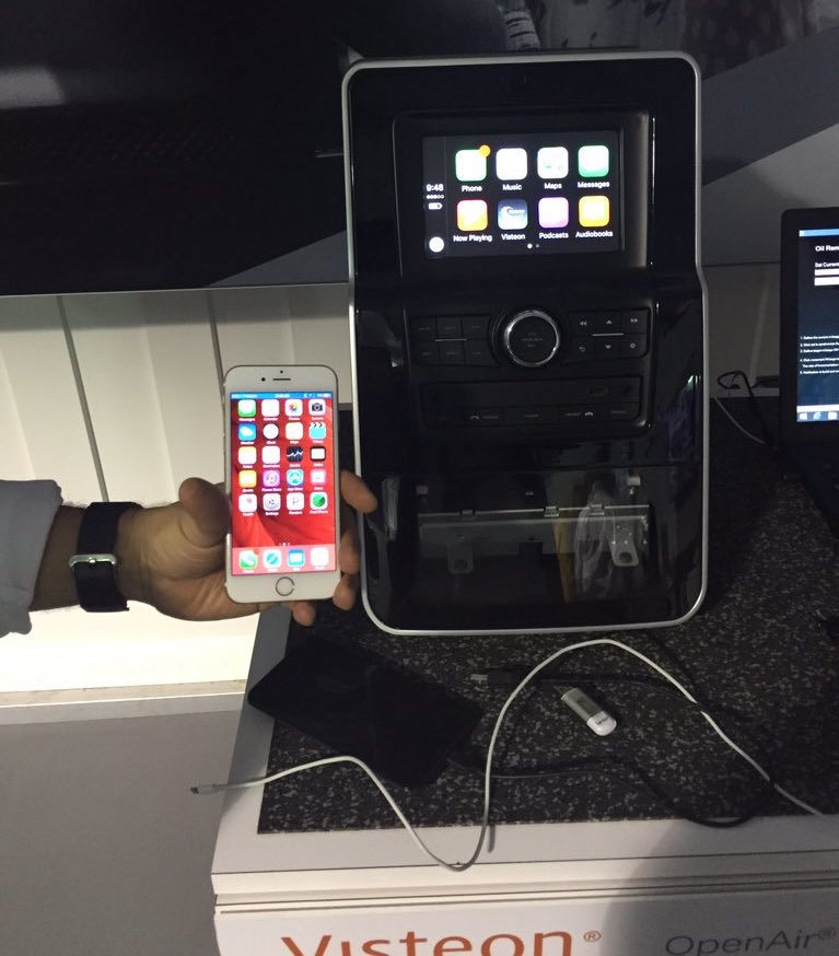 first apple wireless carplay receiver spotted at ces 2016. Black Bedroom Furniture Sets. Home Design Ideas