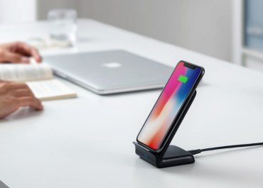 Anker PowerWave Fast Wireless Charger Stand Review