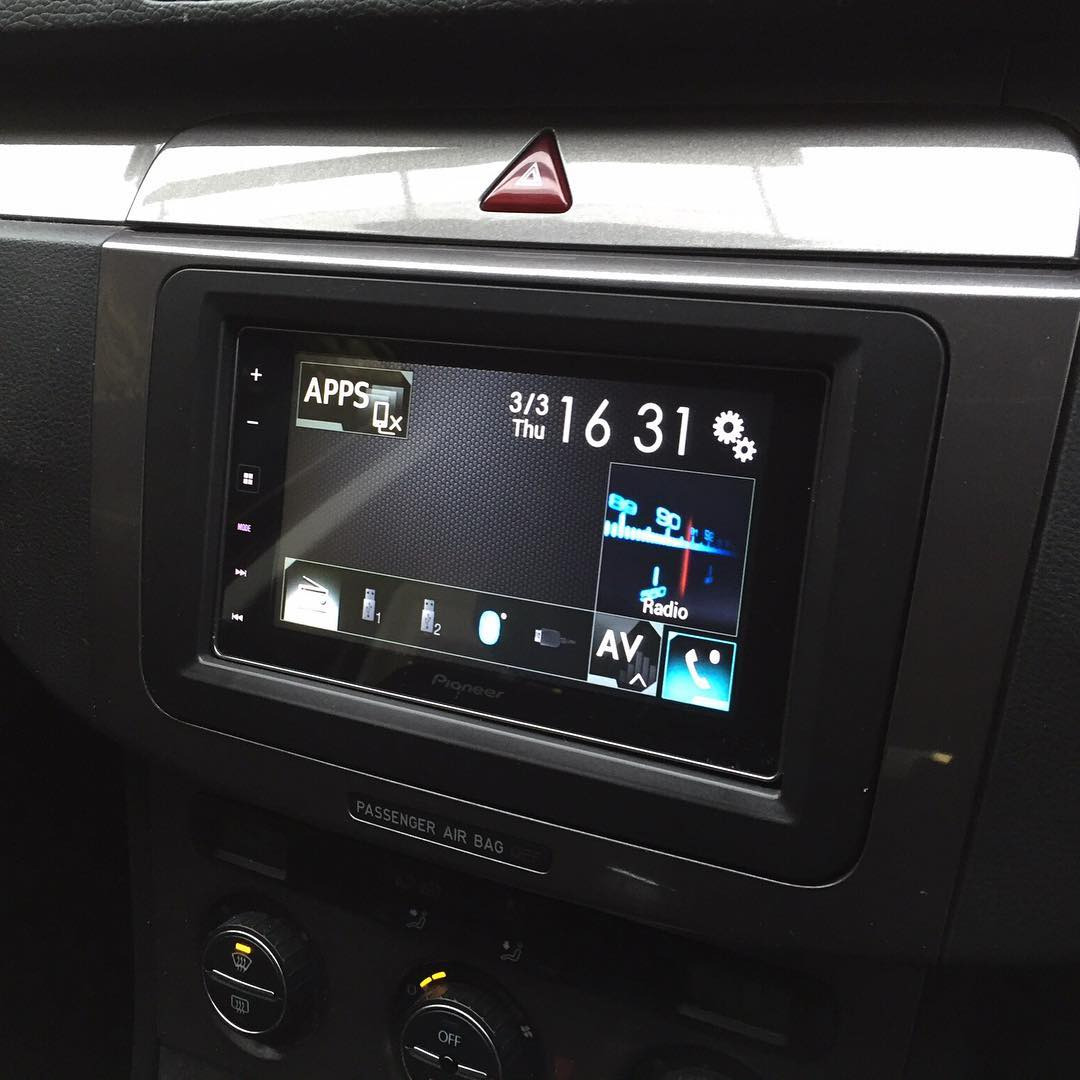 carplay installs pioneer sph da120 in a volkswagen passat. Black Bedroom Furniture Sets. Home Design Ideas