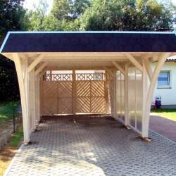 flachdach carport mit walmdach blende sichtschutz aus doppelsteg platte. Black Bedroom Furniture Sets. Home Design Ideas