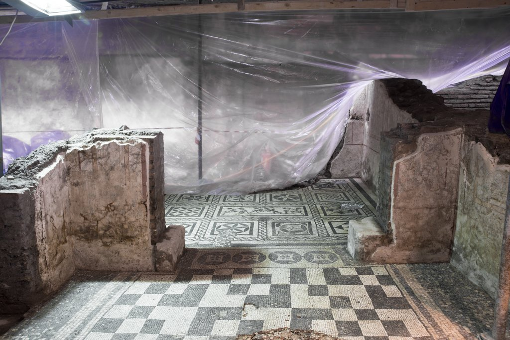 Decorated Domus discovered in Rome