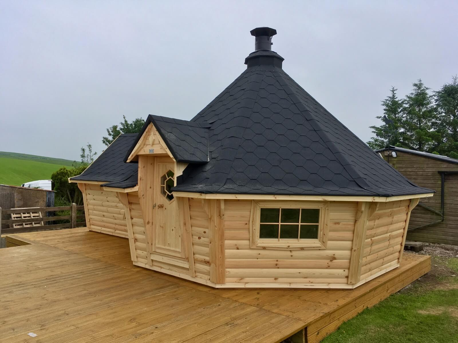 17m Sloping Wall Cabin