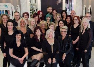 Cut In:L'amour de la coiffure à vitesse grand V