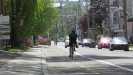 Cycliste sur la piste de la 8e Avenue
