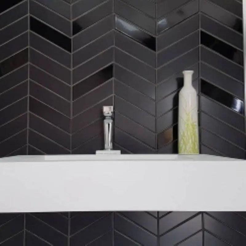 carrelage mural chevron wall left black brillant 18 6x5 2