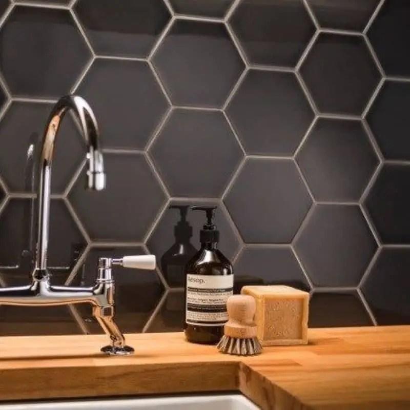 carrelage mural hexagonal noir brillant scale 12 4x10 7