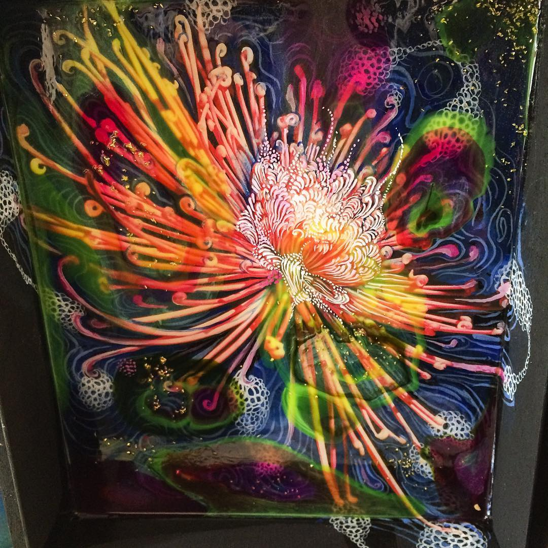 Painting in cigar box in progress acrylicpour glitter flowers crasanthamumhellip