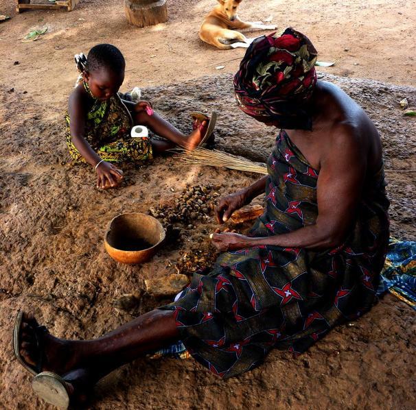 abuela y nieta aceite de palma Togo