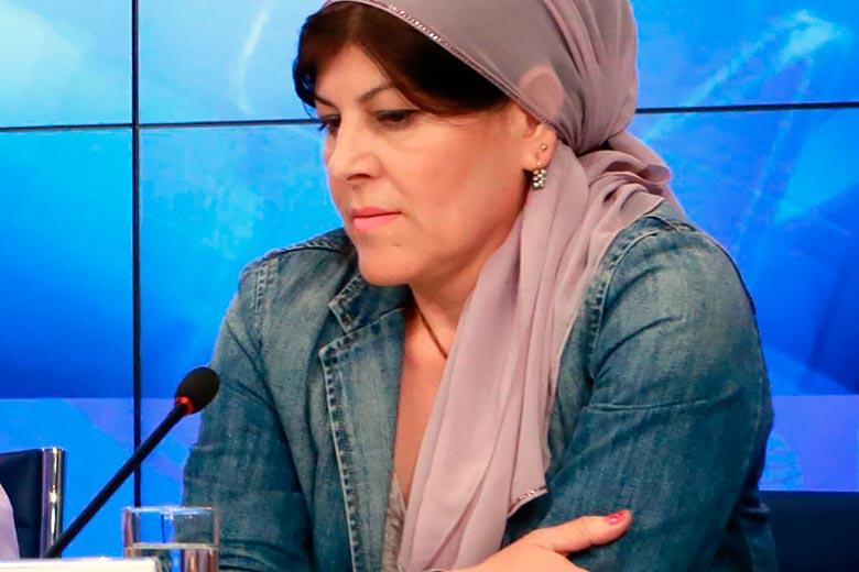 Cecenia: l'innata capacità di avere la faccia come il culo