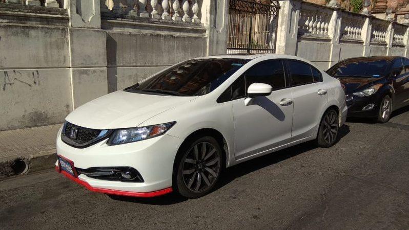 Usados: Honda Civic 2015 en San Salvador full
