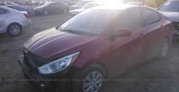 Vendo Hyundai Accent 2015, (A reparar), Reservelo Ya!, estara en Aduana en aproximadamente 27 días, Automático, Full Extras (vidrios y espejos eléctricos), bolsas buenas, $5700 Inf. al correo ó 79278982