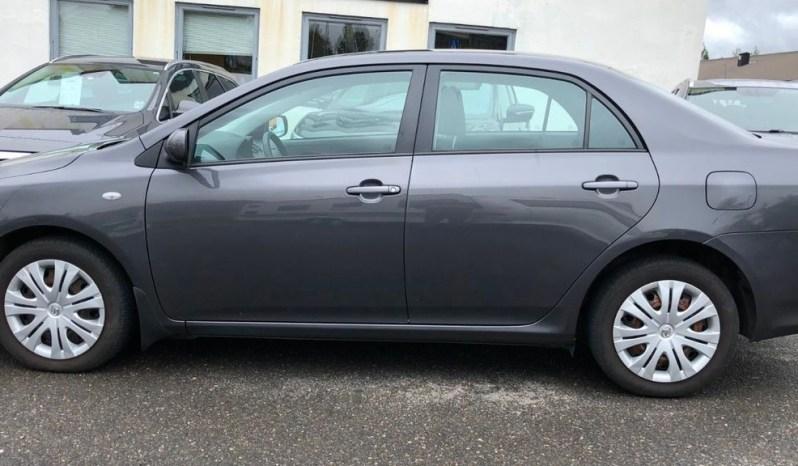 Toyota Corolla 2011 1.4 D-4D SOL del 2011 sedan 4 puertas doble airbag, aire acondicionado, espejos eléctricos, vidrios polarizados, con 104.800 km en excelente estado, vidrios eléctricos bloqueos alarma radio con pantalla. Todos documentos al dia .