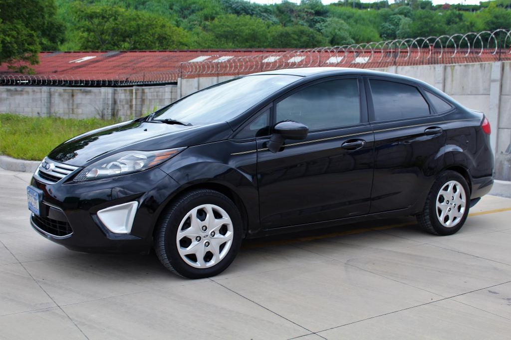 Ford Fiesta 2012 Standard Kia Rio Forte Espectra Tollota